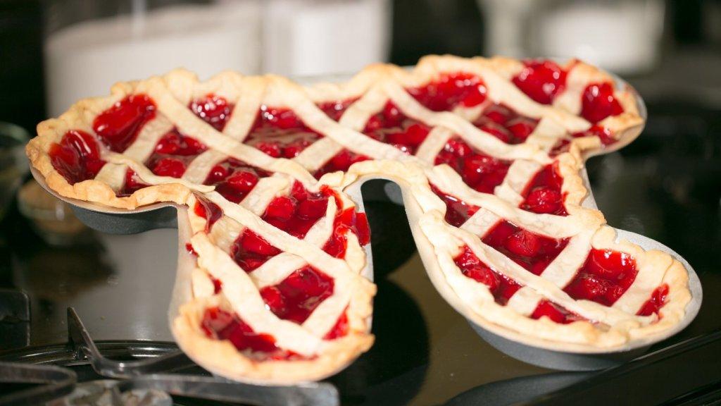 Pi Pie Pan - geeky food ideas